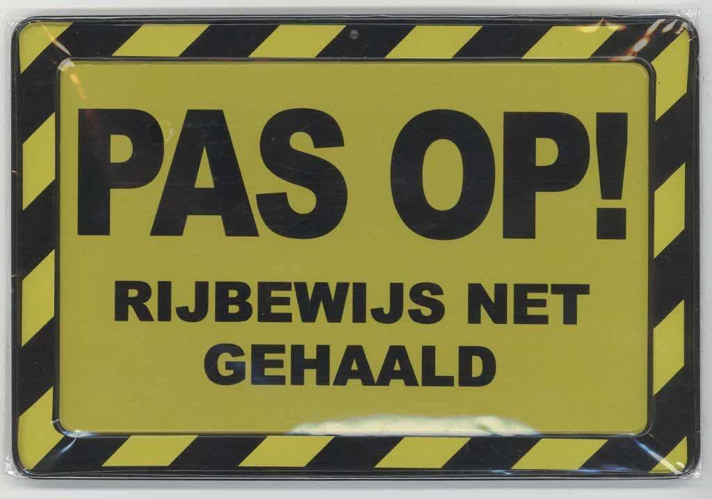 Vrachtwagen rijbewijs halen bij een Nederlandse rijschool
